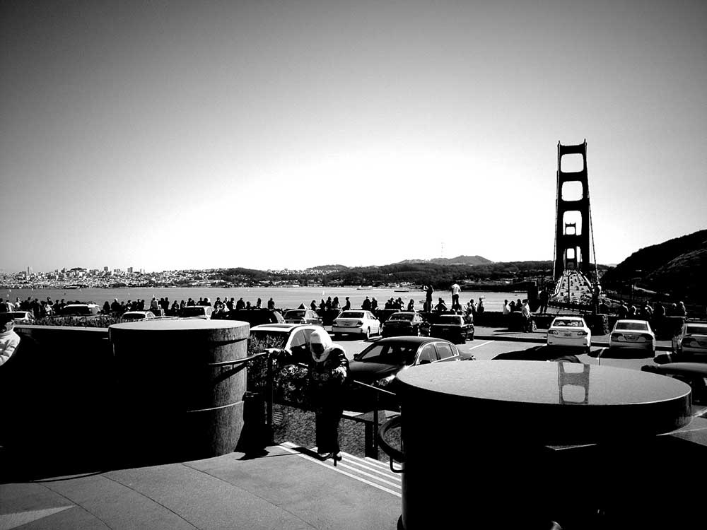 View of the Golden Gate Bridge in black and white
